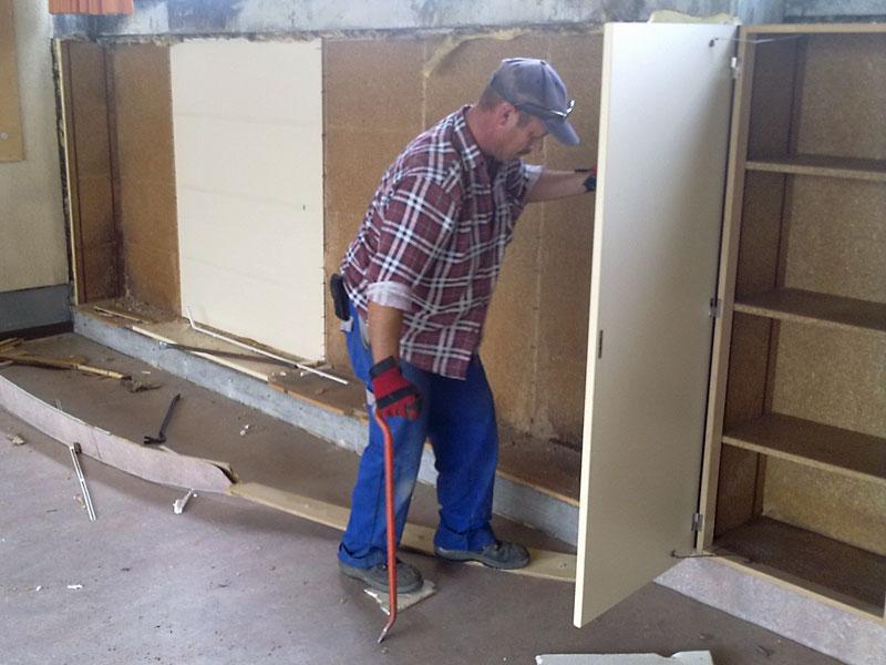 Sanierungsarbeiten Wandschrank