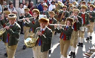 Musiker der Stadtmusik in Tracht