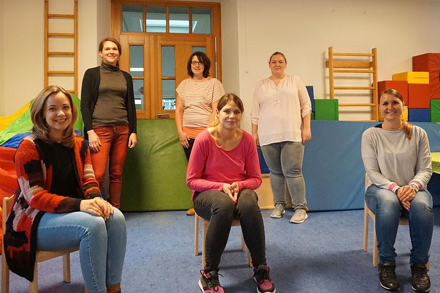stehend von links: Christina Trummer, Cindy Mancaniello, Sarah Krebs. sitzend von links: Franziska Frengele, Stefanie Hugenschmidt, Charlotte Pasquale