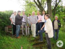 Der Technischer Ausschuss besichtigt die Erweiterungsfläche des Geisinger Friedhofes