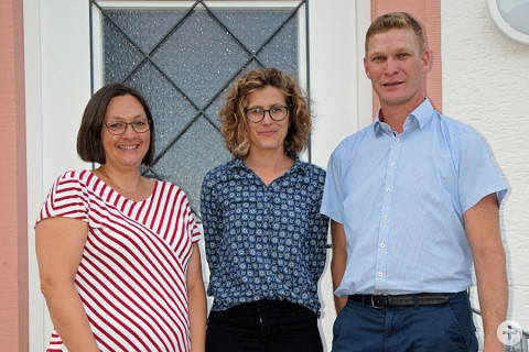 (v. l.) Tanja Stihl, Roberta Rampazzo und Ortsvorsteher Dr. Christoph Moriz